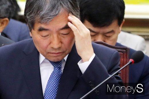 [머니S포토] 조국일가 사모펀드 초점 둔 2019 금감원 국감