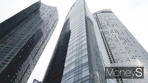 부산시내 한 초고층 아파트. /사진=김창성 기자