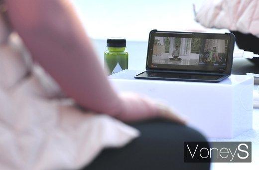 [머니S포토] AI코치 LG V50S ThinQ 출시 스마트 홈트