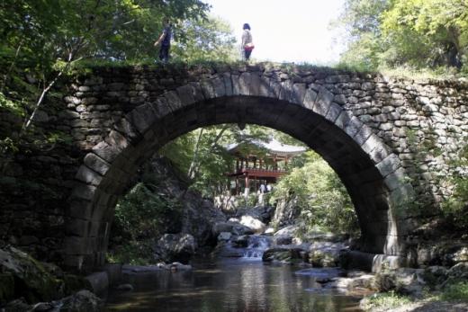 선암사 승선교와 강선루. /사진=한국관광공사