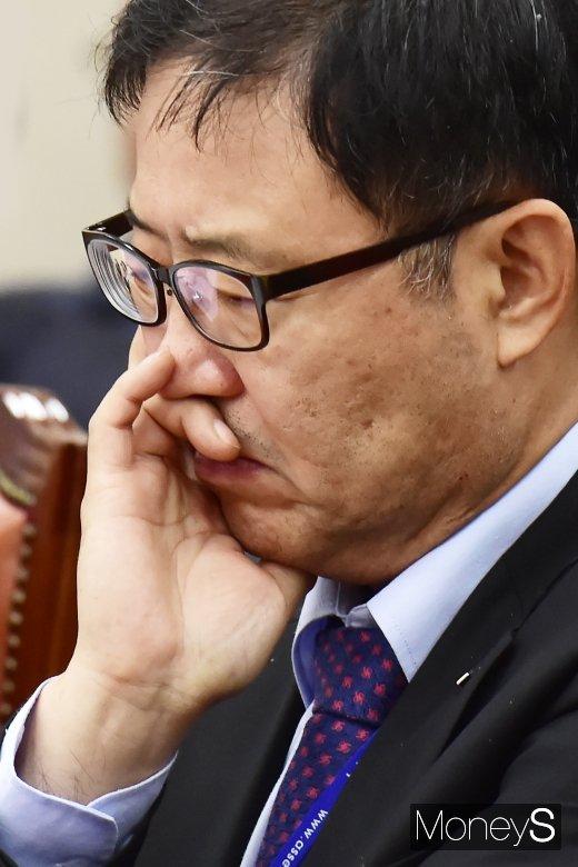 [머니S포토] 국정감사 불려나온 피감기관의 표정