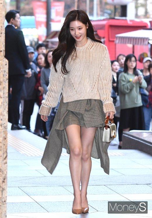 [머니S포토] 다이아 정채연, 사랑스러운 가을 패션