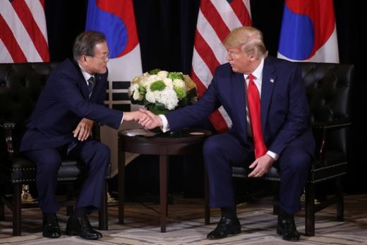 문재인 대통령(왼쪽) 도널드 트럼프 미국 대통령. /사진=로이터