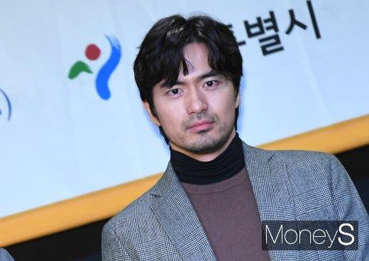 [머니S포토] 이진욱 '상남자 눈빛'