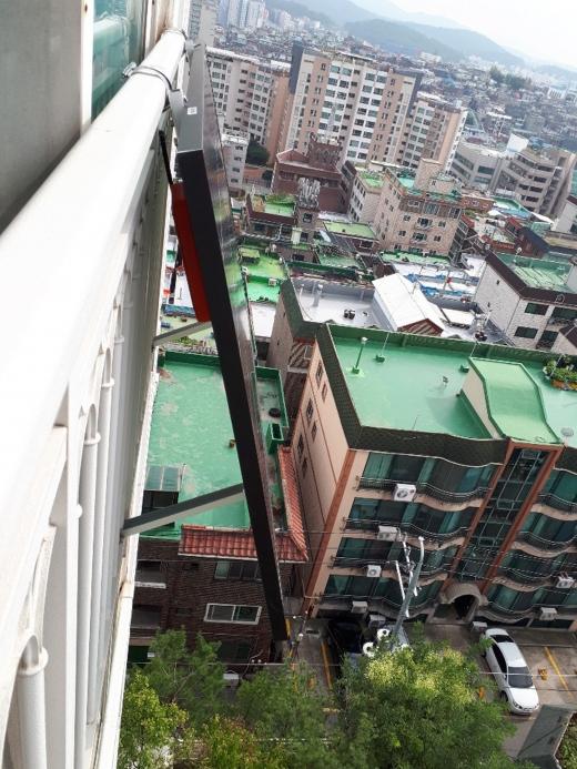 미니 태양광 발전시설 설치한 성남시내 공동주택. / 사진제공=성남시