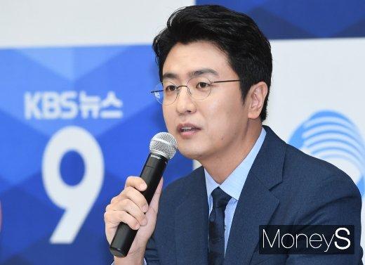 """[머니S포토] 최동석 """"앵커된 후 아내 박지윤이 매일 밥 잘 챙겨줘"""""""