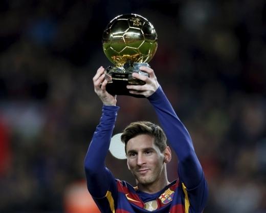'역대 최초' 발롱도르 6회 수상을 노리는 FC 바르셀로나의 리오넬 메시. /사진=로이터