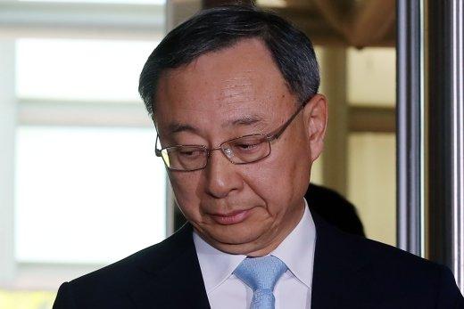 '배임 혐의' 황창규 KT 회장 오늘 검찰 송치… 차기 영향 줄까