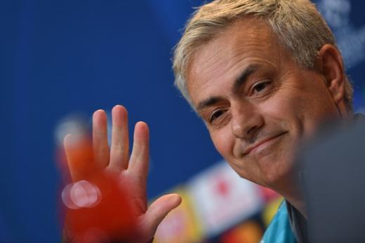 바이에른 뮌헨과의 UEFA 챔피언스리그 조별예선 B조 6차전을 앞두고 기자회견에 나선 조제 무리뉴 토트넘 홋스퍼 감독. /사진=로이터