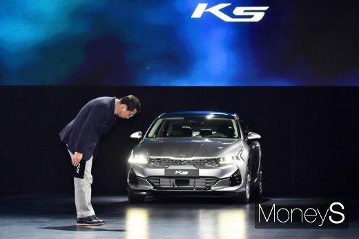 """""""쏘나타 비켜""""… K5 판매량 2배 늘린다"""