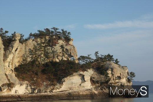 남근 바위와 코끼리 바위 /사진=홍기철기자
