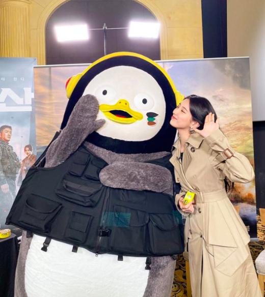 펭수 수지 만남. /사진=수지 인스타그램 캡처
