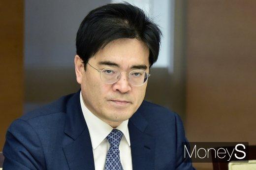 [머니S포토] 공영운 현대차 사장, 2020년 경제정책방향 기업인 간담회 참석