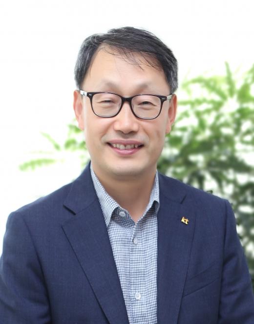 KT이사회가 구현모 커스터머앤미디어부문장 사장을 차기 CEO로 선정했다고 27일 밝혔다. /사진=KT