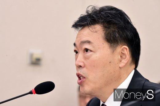 문재인 대통령이 30일 '2020년 신년 특별사면'을 단행했다. 김오수 법무부 차관이 이날  대상자를 발표했다. /사진=임한별 기자