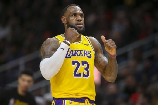 NBA의 역사를 만들어가고 있는 LA 레이커스의 포워드 르브론 제임스. /사진=로이터