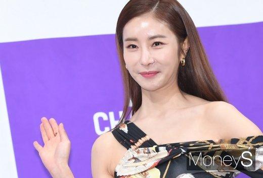 [머니S포토] 한다감 '예비 신부의 예쁜 미소'