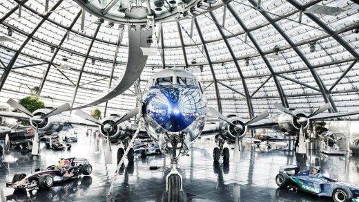 잘츠부르크 모차르트 공항의 Hangar-7 항공박물관, 알고 보면 현대 미술과 미식의 대명사