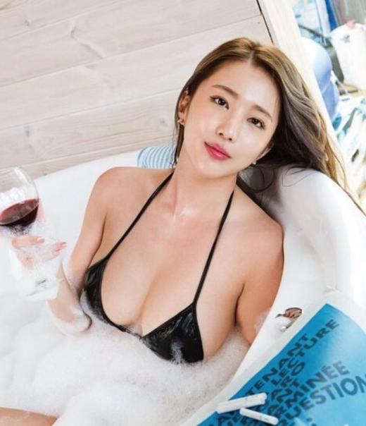 모델 엄상미가 화보 촬영 현장 사진을 공개했다. /사진=엄상미 인스타그램