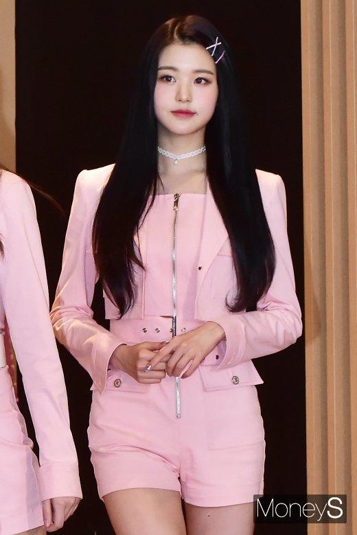 [머니S포토] 아이즈원 장원영, 너무 이뻐져서 깜짝!