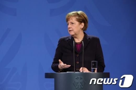 메르켈 독일총리가 적극적 재정투입에 나서겠다고 밝혔다. /사진=뉴스1