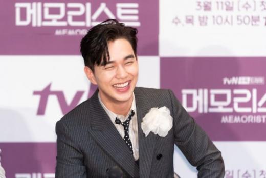 배우 유승호가 배역을 위해 살을 찌우고 등장하자 때아닌 외모 악플 논란에 휘말렸다. /사진=tvN 제공