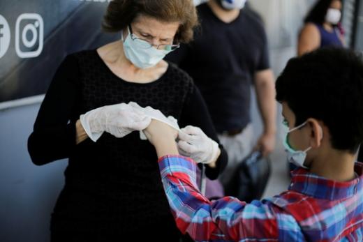 신종 코로나바이러스 감염증(코로나19) 확산세가 수그러들지 않고 있는 가운데 전 세계 확진자 수가 27일 50만명을 돌파했다. /사진=로이터