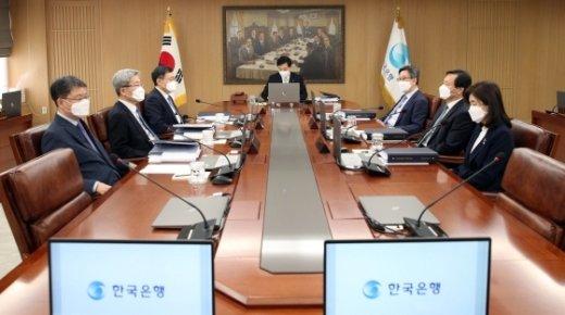 '뒷북 통화정책' 금통위, 이번주 유동성 추가 공급 논의