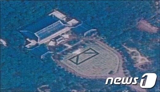 북한이 청와대 모형 건물 주변에 대형 표적을 만들었다는 사실이 전해졌다. /사진=뉴스1(합동참모본부 제공)