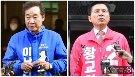 제21대 국회의원선거(총선) 오후 4시 기준 서울 종로구 투표율이 64.9%를 기록했다. 사진은 이낙연 민주당 상임선거대책위원장(왼쪽)과 황교안 미래통합당 대표가 4일 종로지역에서 취재진의 질문에 답변하는 모습. /사진=임한별 기자