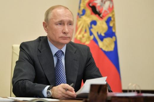 블라디미르 푸틴 러시아 대통령이 다음달로 예정됐던 전승기념일 행사 일정을 연기한다고 발표했다. /사진=로이터
