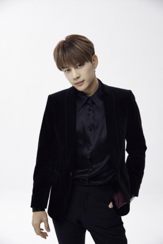 가수 세븐이 디모스트엔터테인먼트와 전속계약을 체결했다. /사진=디모스트엔터테인먼트 제공