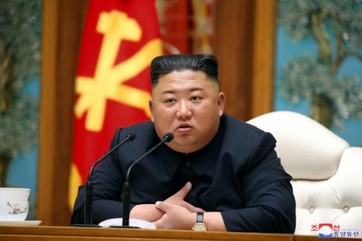 북한 김정은 국무위원장의 '건강이상설'이 연이어 제기되고 있는 가운데 그가 공식석상에 언제 모습을 드러낼지에 관심이 쏠리고 있다. /사진=로이터(노동신문)