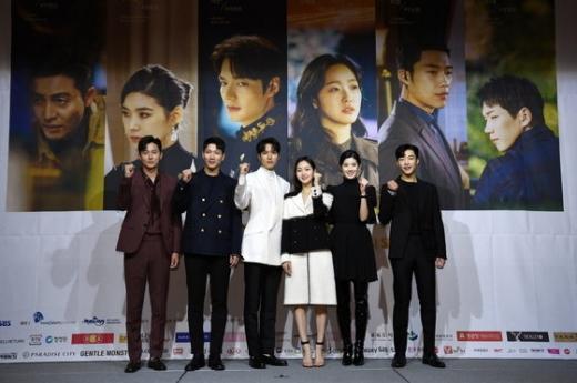 사진은 '더킹' 제작발표회 당시 주연배우들. /사진=SBS 제공