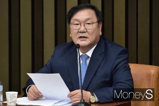 """[속보] 김태년 """"집권여당 원내대표 맡게 돼 어깨 매우 무거워"""""""