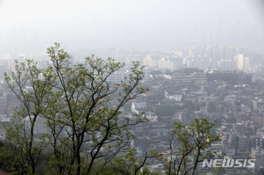 서울시는 오늘(11일) 오후 1시 기준으로 미세먼지 주의보를 발령한다고 밝혔다. /사진=뉴시스