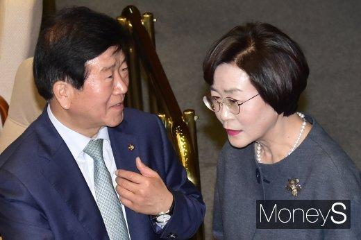 [머니S포토] 박병석, 21대 국회의장 사실상 확정…김상희 부의장 유력속에...