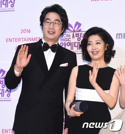 홍혜걸이 여에스더와 만난 지 93일 만에 결혼했다고 밝혀 화제를 모으고 있다. /사진=뉴스1