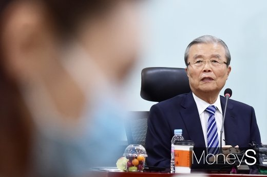 [머니S포토] 통합당 초선의원 모임, 발언하는 김종인