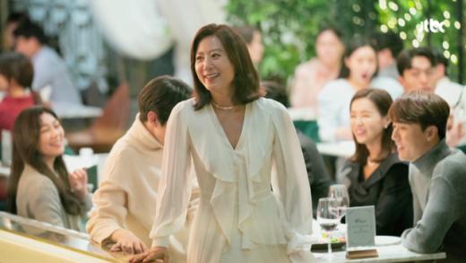 배우 김희애가 JTBC 드라마 '부부의세계'에서 착용한 다이아몬드 목걸이에 관심이 모아진다. /사진=티파니 제공