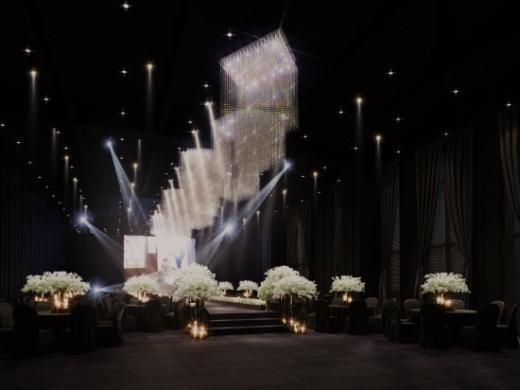 전국 최초의 호텔급 공공형 예식장인 김해 비즈컨벤션 웨딩홀 모습./사진=김해시
