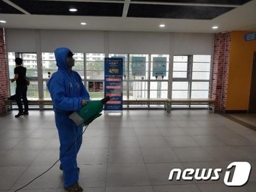 마포구청이 신종 코로나바이러스 감염증(코로나19) 확진판정을 받은 60대 여성의 동선을 공개했다. /사진=뉴스1