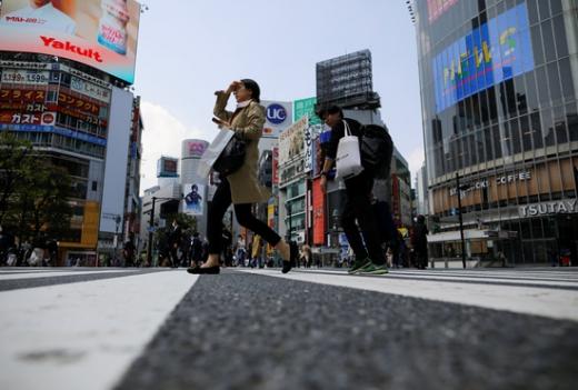 일본 무개념 클럽의 영업 행태가 눈쌀을 찌푸리게 만든다. 사진은 도쿄의 거리 풍경. /사진=로이터