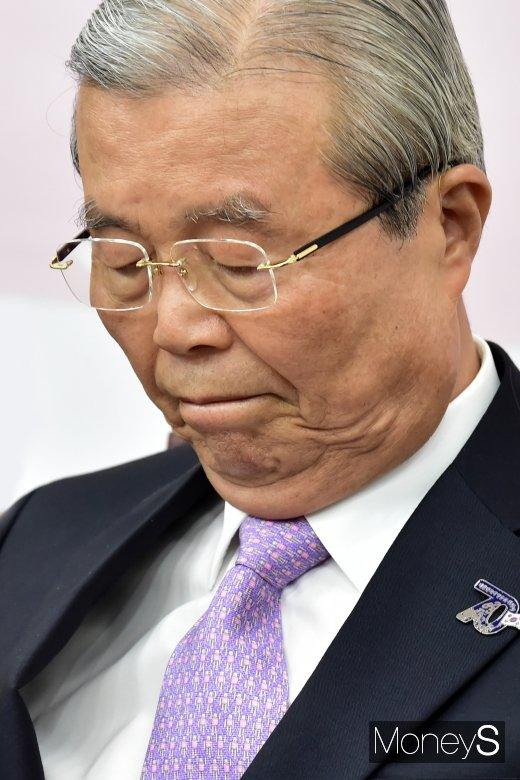 김종인 미래통합당 비상대책위원장이 전날(24일) 대선주자로 나설 가능성을 부인한 가운데 정청래 더불어민주당 의원이 이를 반박했다. /사진=임한별 기자