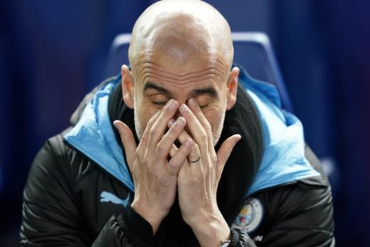 펩 과르디올라 맨체스터 시티 감독이 지난 3월5일 열린 셰필드 웬즈데이와의 FA컵 5라운드 경기 도중 고뇌에 찬 표정을 짓고 있다. /사진=로이터