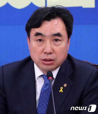 [속보]국회 정무위원장에 3선 윤관석 민주당 의원
