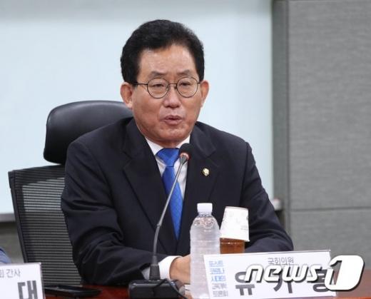 [속보]국회 교육위원장에 3선 유기홍 민주당 의원