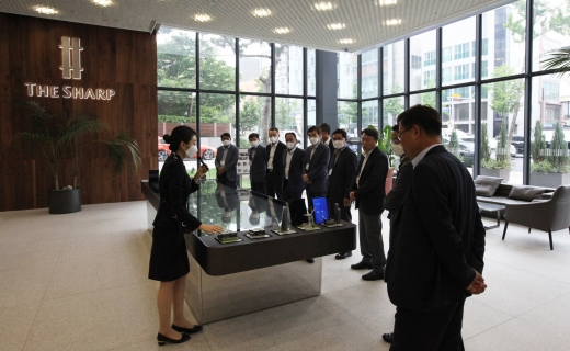 포스코건설이 서울 강남 더샵 갤러리에 국내 우수 협력사를 초청해 '위드 파트너스 데이'(With Partners Day) 행사를 열었다. /사진=포스코건설