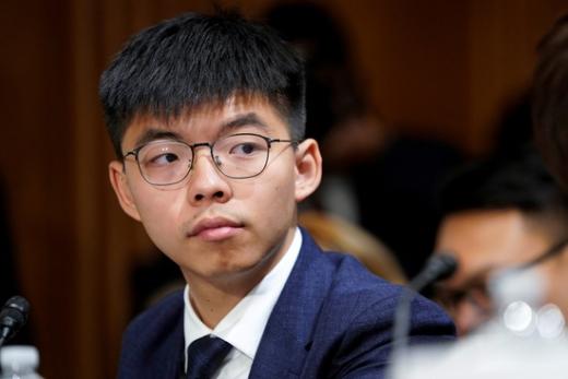 홍콩의 민주화 시위를 이끈 조슈아 웡이 데모시스토당의 비서장 자리에서 물러나겠다고 밝혔다. 데모시스토당은 홍콩의 자주 독립을 위해 웡이 창당한 청년 정당이다. 사진은 조슈아 웡의 모습. /사진=로이터