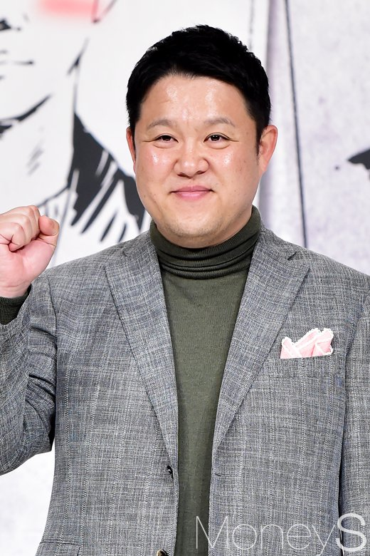 방송인 김구라가 전 아내의 빚을 3년 만에 모두 갚았다는 사실이 전해졌다. /사진=임한별 기자